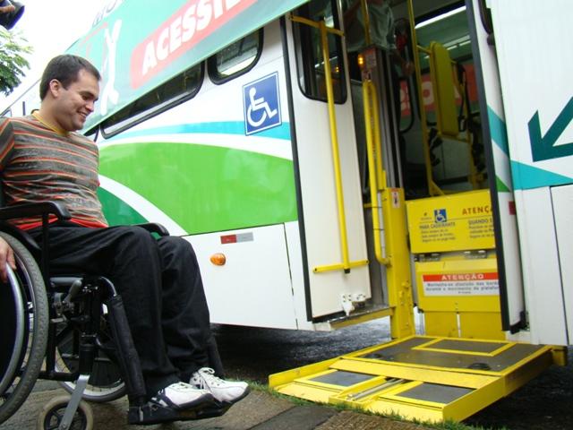 #AgoraÉlei Portadores de deficiência poderão pedir parada de ônibus fora do ponto