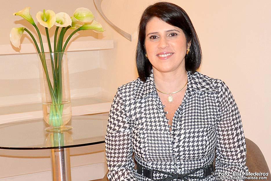 Sandro pede exoneração de primeira-dama após nomeação irregular