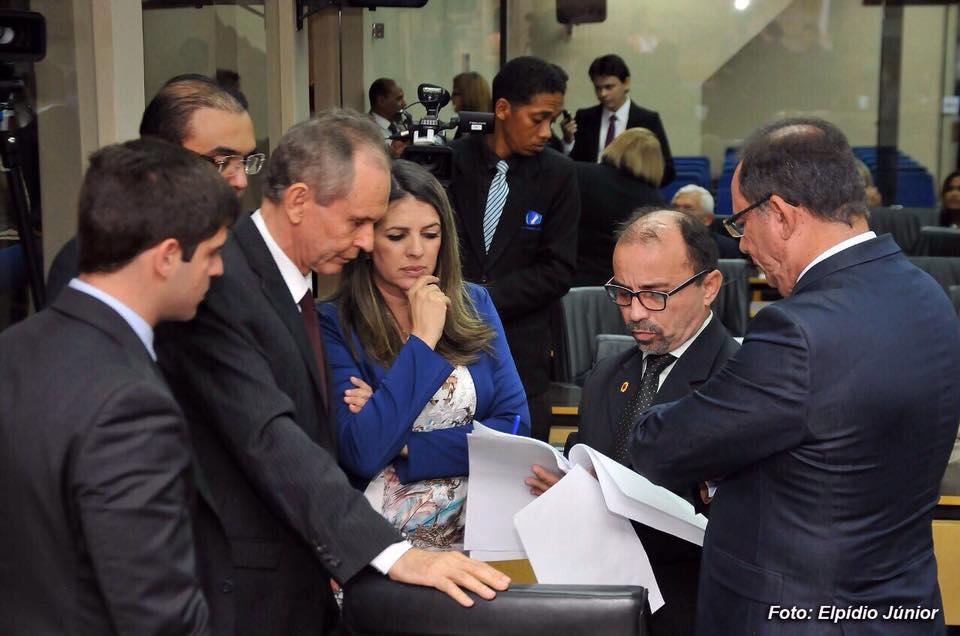 Sandro garante desconto no IPTU para imóveis com valor até R$ 87 mil