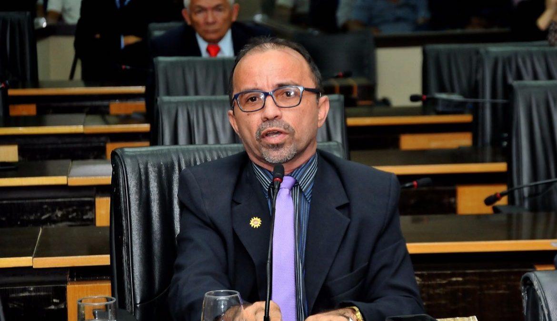 Sandro critica pressa da Prefeitura para desmontar licitação dos transportes