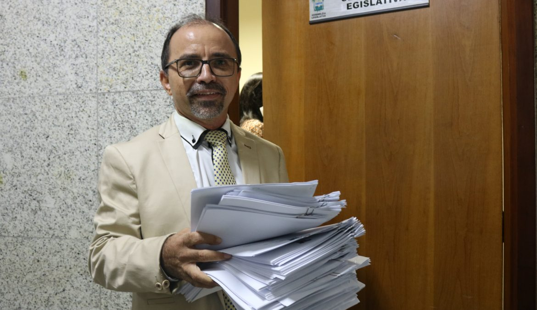 Deputado Sandro Pimentel protocola 40 projetos no primeiro dia de trabalho na Assembleia Legislativa do RN
